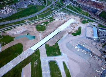 Cleveland Hopkins International Airport — Runway 10-28